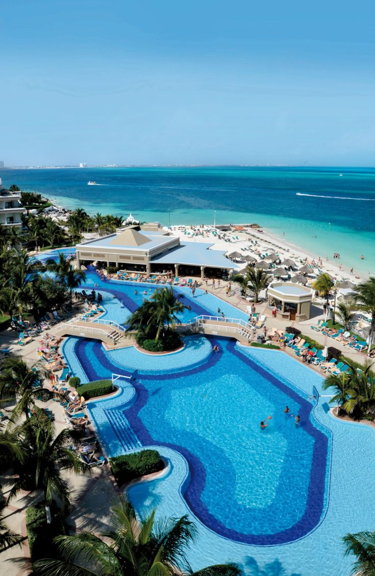 Turquoise Water And White Sand At The Riu Caribe In Cancun