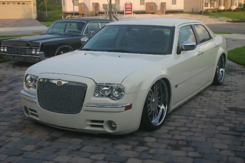 Chrysler - 300M  Chrysler 300 C