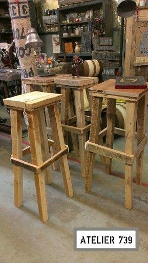 Tabourets en bois recyclé Atelier 739