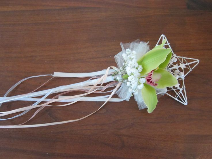 Wand with orchid and gypsophila