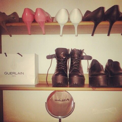 #elikshoe 's collection