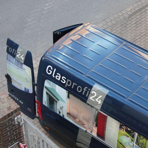 Glasprofi24 Sprinter während eines Montage-Einsatzes hier am alten Arbeitsamt in Bielefeld