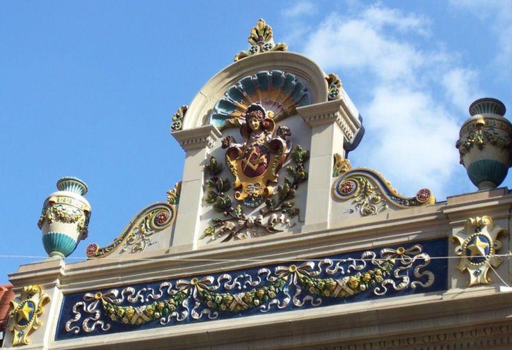 Zsolnay ornaments, Pécs, Csukás House