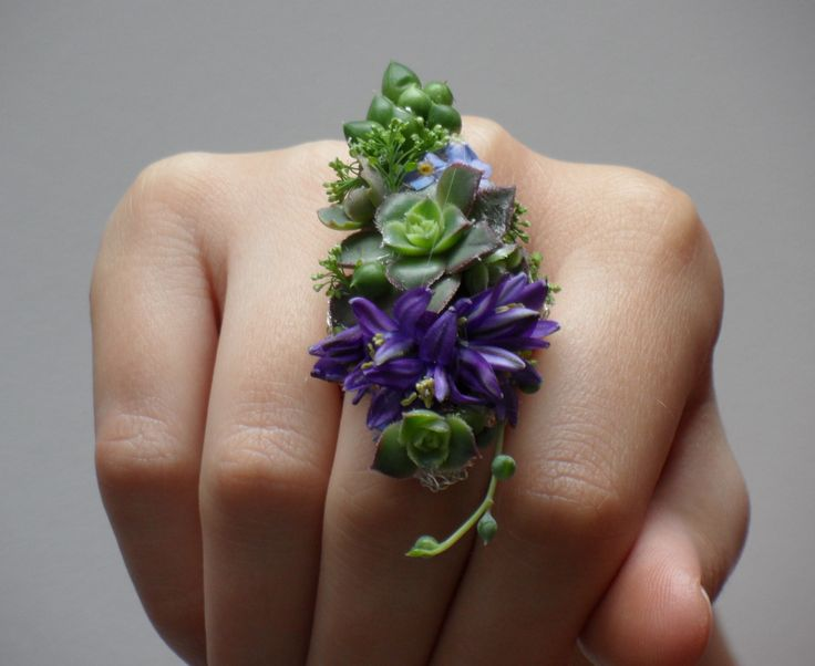 A Ring made of Real Flowers - Fiona Perry Floral Design