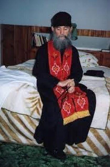Η Ορθοδοξία είναι η βασιλική οδός του Ευαγγελίου ( Γέροντα Έφραίμ )