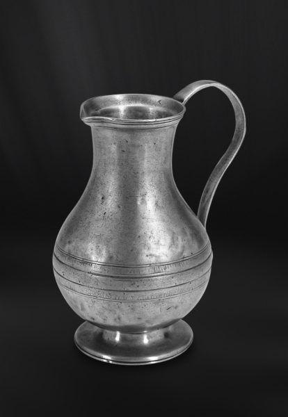 Pewter Pitcher - Height: 22 cm (8,7″) - Food Safe Product - #jug #pitcher #pewter #brocca #caraffa #peltro #krug #zinn #zinnkrug #étain #etain #pichet #peltre #tinn #олово #оловянный #tableware #dinnerware #drinkware #table #accessories #decor #design #bottega #peltro #GT #italian #handmade #made #italy #artisans #craftsmanship #craftsman #primitive #vintage #antique