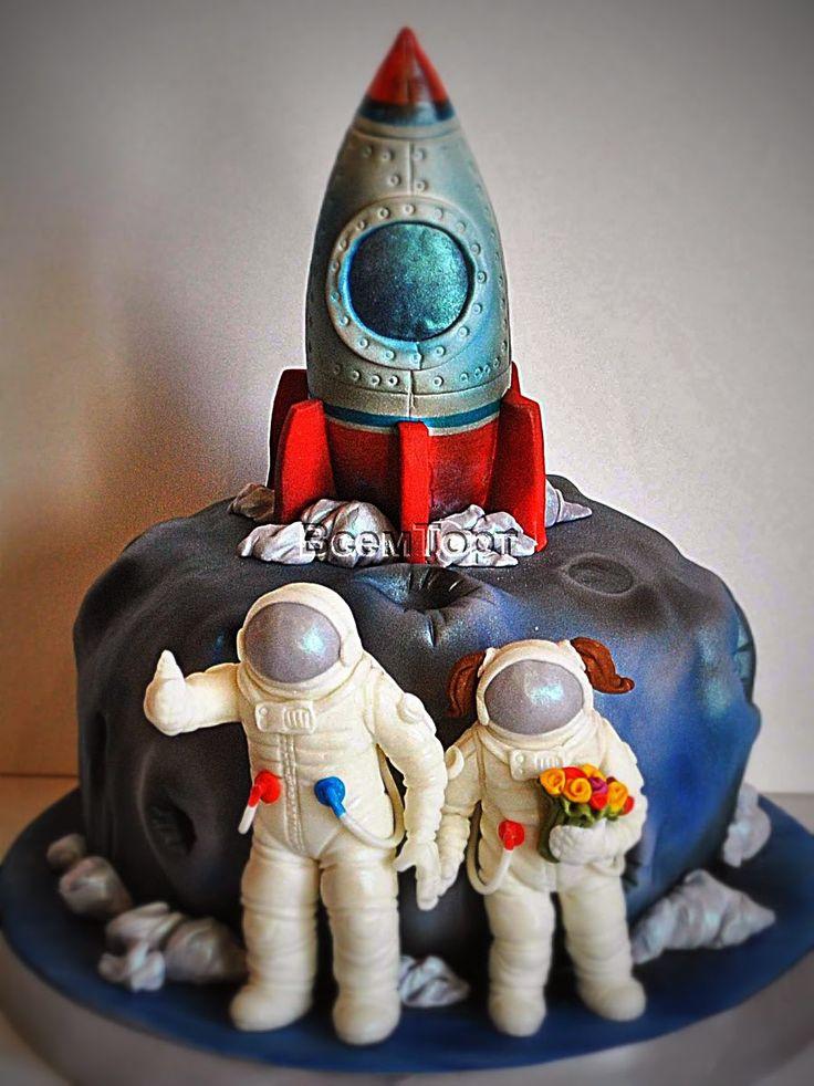 Торт Космическая свадьба. Оригинальные свадебные торты на заказ в Москве