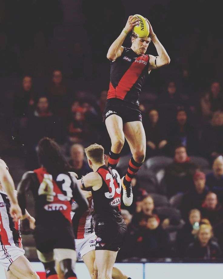 Joe Daniher takes a screamer against St Kilda 10 Jul 16