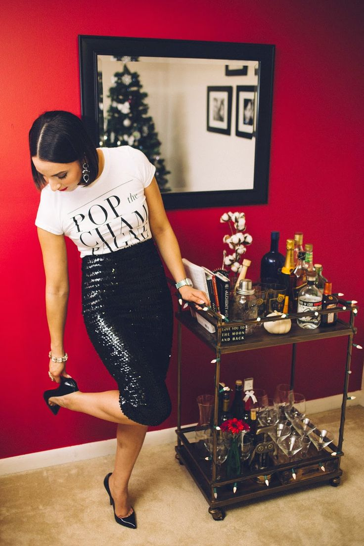 NYE // New Years Eve outfit // bar cart styling // Pop the Champagne www.thebobbedbrunette.com