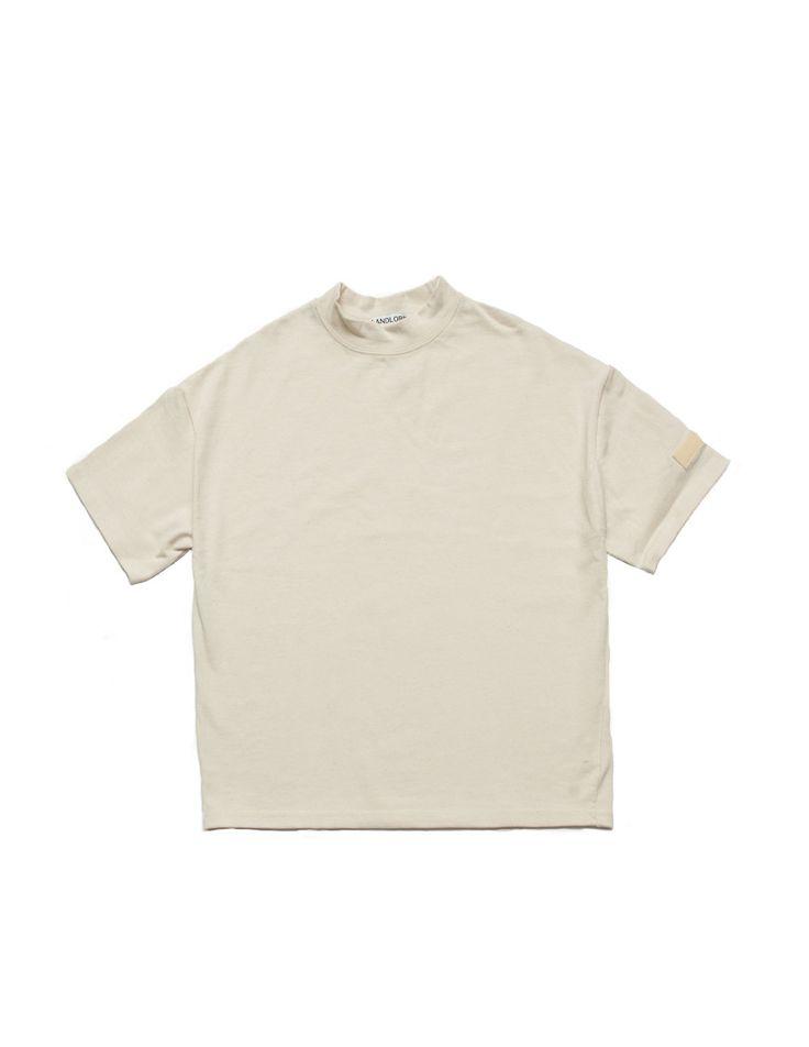 Mock collar with badge loop on left sleeve  100% cotton  ᴍᴀᴅᴇ ɪɴ ɴᴇᴡ ʏᴏʀᴋ