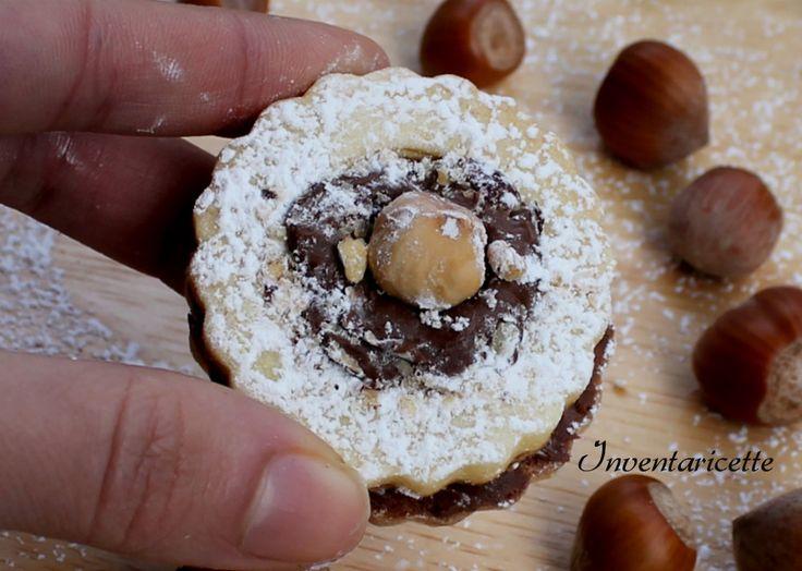 Biscotti Occhio di Bue Rocher | Ricetta Facile Golosissimi, facili e veloci da preparare. Finger food per i buffet di dolci oppure biscotti da colazione e