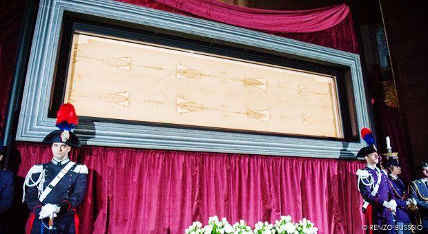 Misiones Salesianas - Inauguración de la exposición de la Sábana Santa, unida al Bicentenario de Don Bosco
