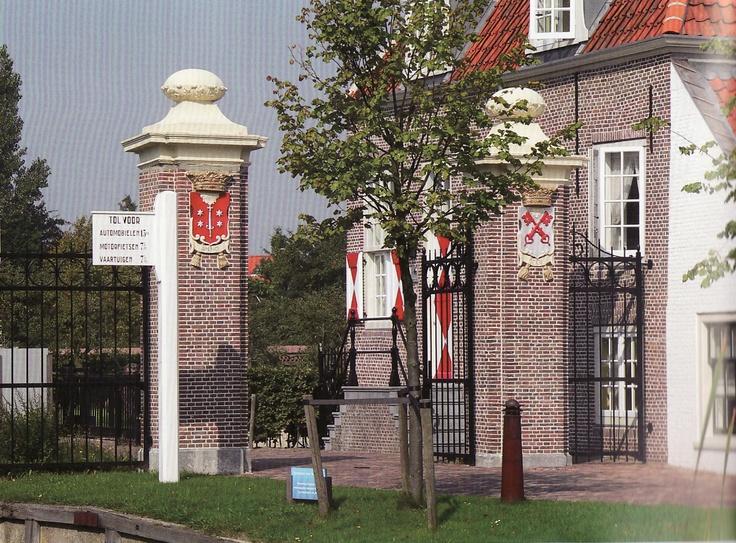 Tolhek Haarlemmertrekvaart bij Oegstgeest.