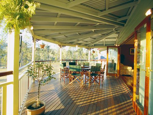 Diamantina Traditional Queenslander style home by Garth Chapman