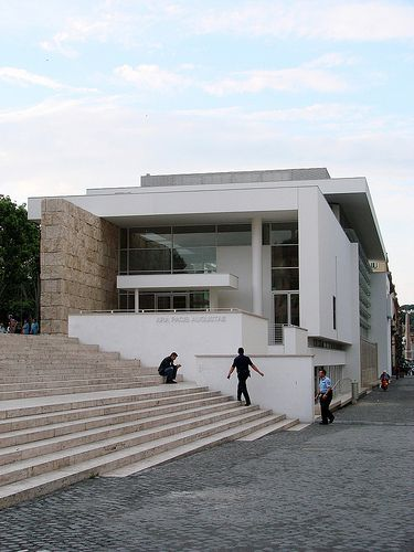 Ara Pacis museum in Rome / Richard Meier.