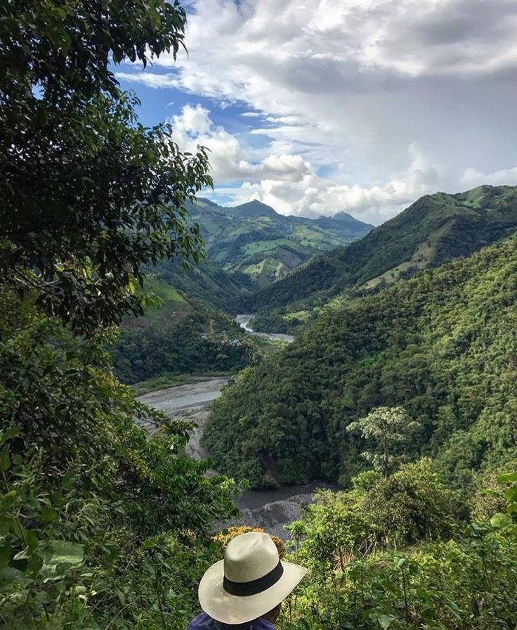 Muzo 🇨🇴 #emerald #emeralds #colombianemerald #colombianemeralds #muzoemeralds #mining #natgeo #natgeotravel #natgeotravelpic #behindthescenes #colombia #boyaca #southamerica