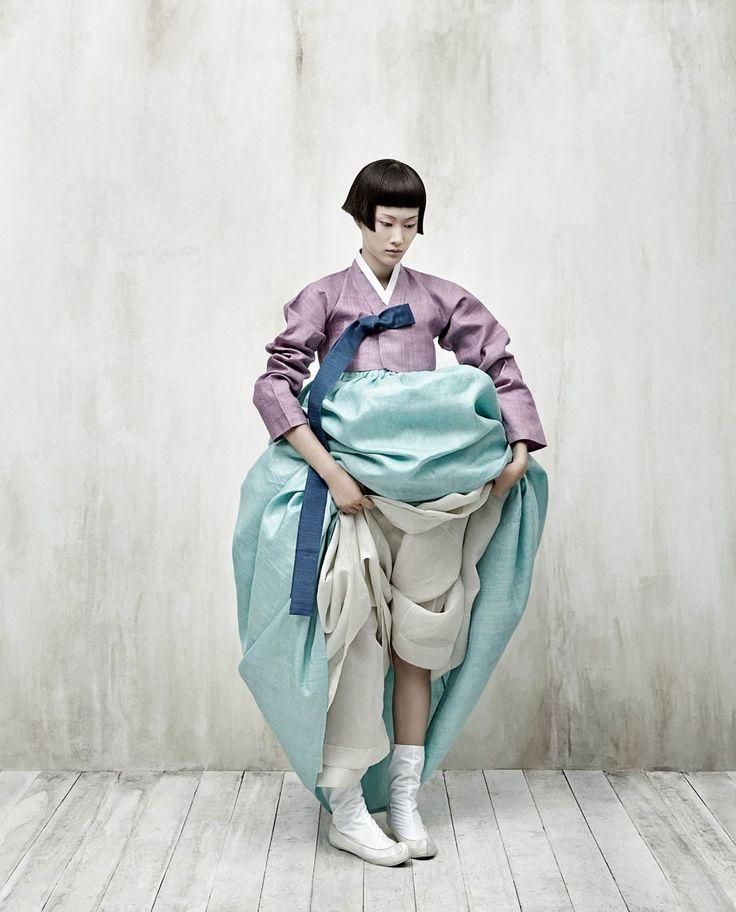 Kim Kyung Soo, The Full Moon Story #09, 2008. (© Kim Kyung Soo/Courtesy of Galerie Paris-Beijing).