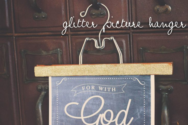 glitter picture hanger DIY // creating your own picture frame using a wooden pant hanger // the logbook
