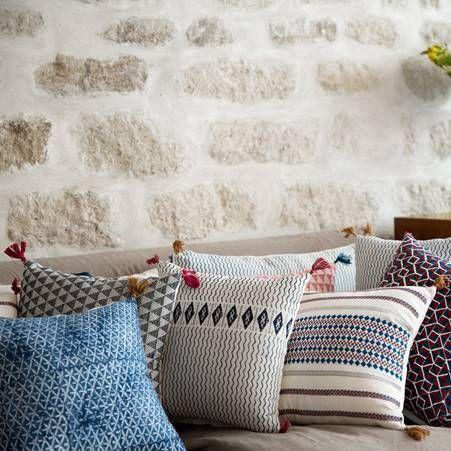 la tendance des coussins ethniques jamini des objets pinterest chic et d co. Black Bedroom Furniture Sets. Home Design Ideas