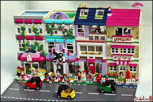 "A  wonderful MOD (modification) of 2 new 2015 LEGO Friends have been built alongside other such style by DDoshini  in a ""Modular Houses"" cr..."