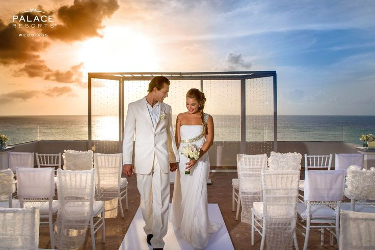 There is nothing as magical as a destination wedding in a luxurious and tropical paradise | Palace Resorts