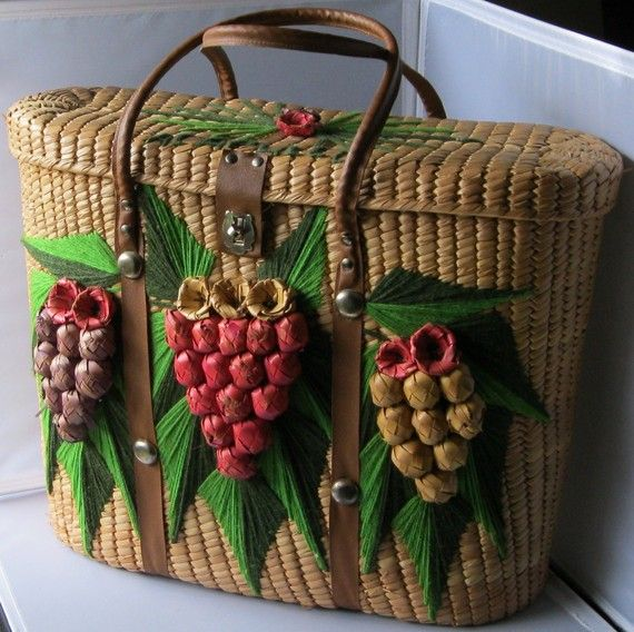 Vintage basket purse / tote    I want this for crafting