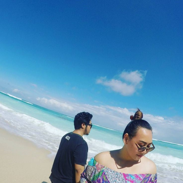 The best relationships are the ones you never saw its coming...       #explorenusantara #dayout #explorebali #wisatabali #exploreindonesia #thisisindonesia #holidayinbali #sea #thesea #bluesea #thesky #sky #bluesky #clearbluesky #bali #beach #pandawabeach #thebeach  #pantaipandawabali #holiday #pantaipandawa #sunbathing #instabeach #instagood #instavacation #myvacation #instaholiday #bali #igers #instagrammers #instabali