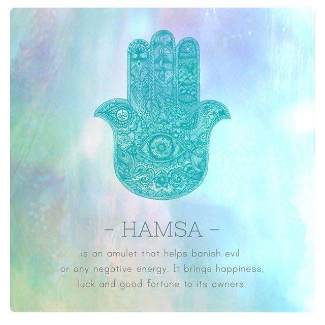 """""""- HAMSA - es un #amuleto que te ayuda a eliminar la maldad o cualquier forma de…"""