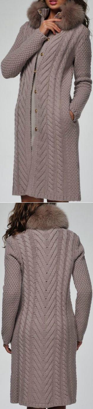 Пальто вязаное BLUMARINE с мехом на воротнике | ВЯЗАНИЕ: КОФТОЧКИ, БОЛЕРО, ТУНИКИ | Постила