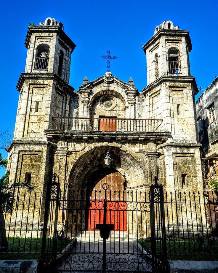 Iglesia Del Santo Cristo Del Buen Viaje in Havana . . . #photographer #photo #photooftheday #instadaily #havana #habana #habanavieja #havanacuba #habanacuba #cuba #cuba #history #travel #travelgram #travelphotography #travels #traveller