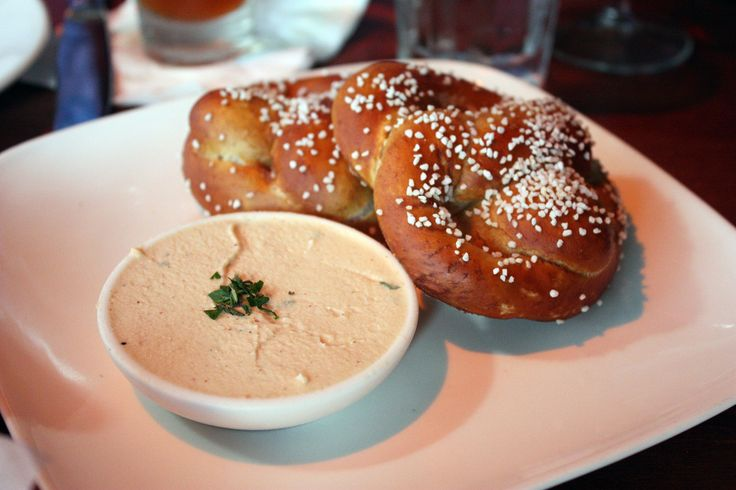 the redhead nyc pretzels and bier cheese