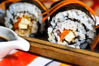 Simple BBQ tofu and carrot Sushi | vegans get plenty | Pinterest