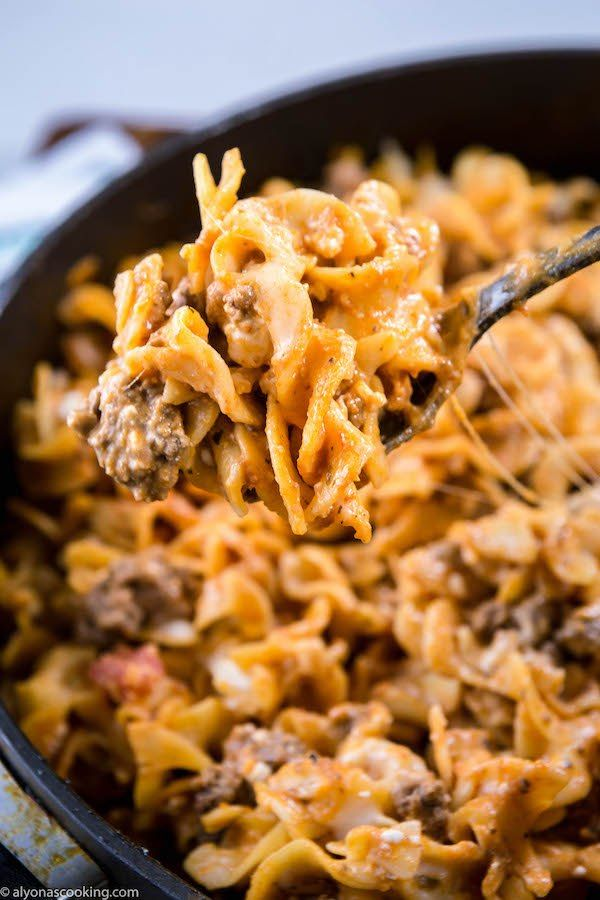 Easy One Pan Sour Cream Egg Noodles Beef Stroganoff Alyonascooking Main Entree Recipes Beef Stroganoff Sour Cream Beef Stroganoff