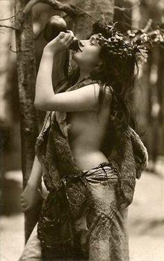 Gudinnor, Mytologi and Aphrodite on Pinterest