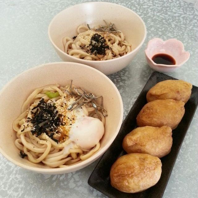 レシピとお料理がひらめくSnapDish - 9件のもぐもぐ - ライム酢でパンチの効いたぶっかけうどん、稲荷寿司 by korino