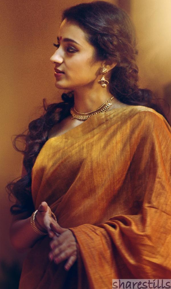 Trisha Krishnan Stills in Yennai Arindhal Movie - 17