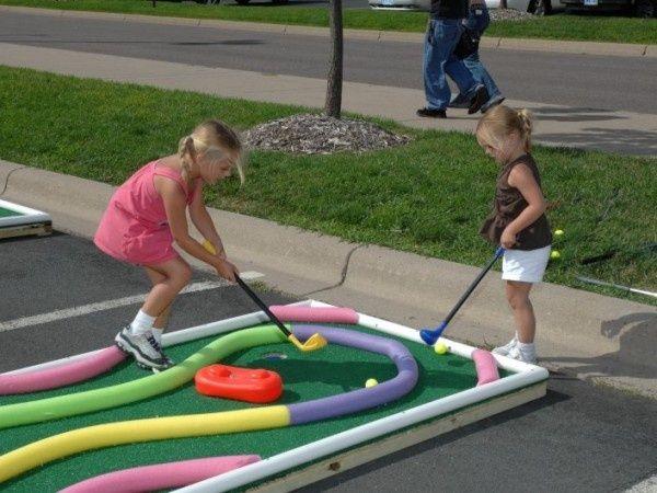 Cute idea for a mini golf course yard game.