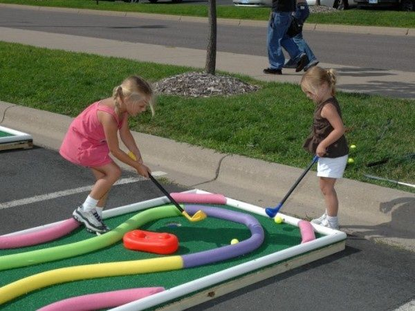 Cute idea for a mini golf course yard game.