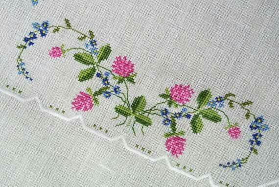 Table runner, delicate design with great stitchery.