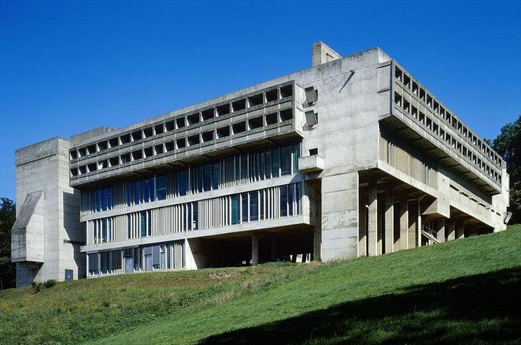 Fondation Le Corbusier - Réalisations - Couvent Sainte-Marie de la Tourette
