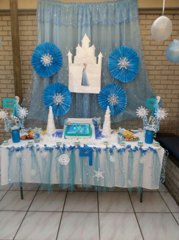 Frozen party main table
