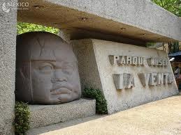 El museo la venta engloba la mayoria de las excelentes piezas arquelogicas del estado de tabasco como vestigio de la presencia de la cultura olmeca en sus alrededores.