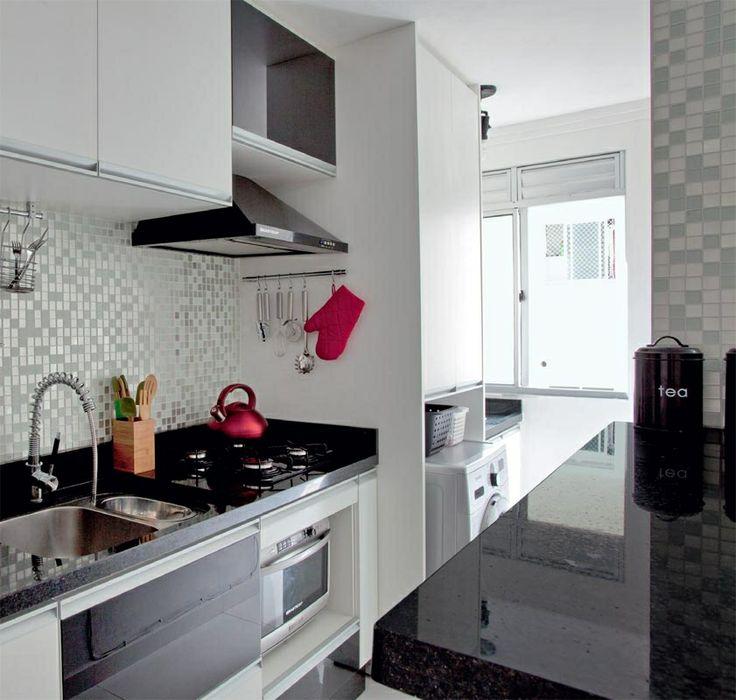 Geladeira preta: vale tudo para deixá-la à mostra na cozinha