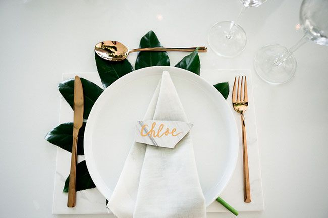 White tableware, copper Vegetal inspiration Table decoration