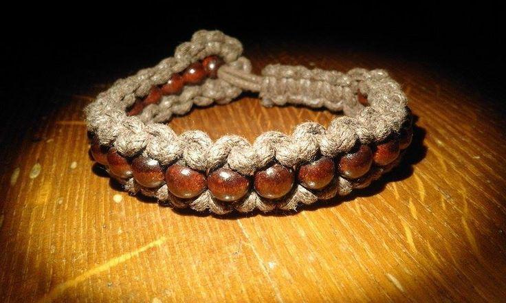 Hnědá+v+hnědé+Hnědé+drřevěné+korálky+a+voskovsná+šňůrka.+Nastavitelná+velikost.+Barvy+náramku+odpovídají+profilové+fotce+boho+hippie+ natural+bracelet+wooden+macrame