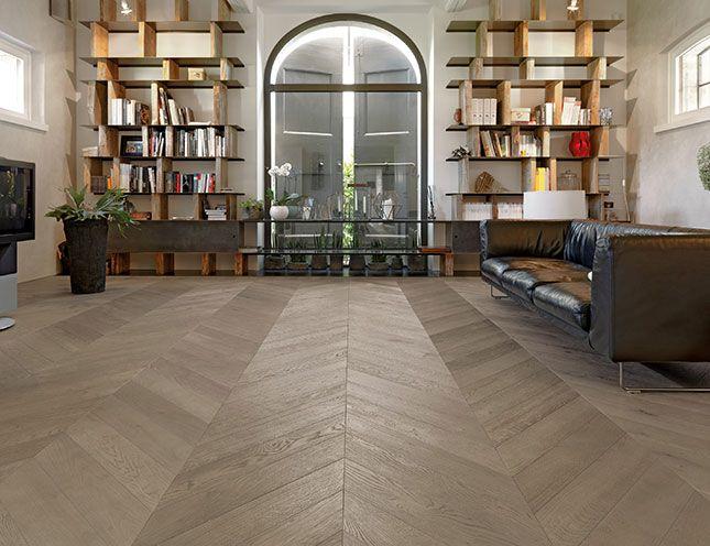 Rendi i tuoi ambienti unici e all'altezza dei tuoi sogni!! Il #pavimento in #PVC utilizzato in ogni ambiente dove si ricercano comfort, resistenza e praticità. Meravigliosa geometria di posa!!! Vieni ad informarti