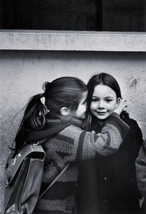 Le Secret,   Eglantine et Laurence    Jean-Philippe Charbonnier, Paris 1979