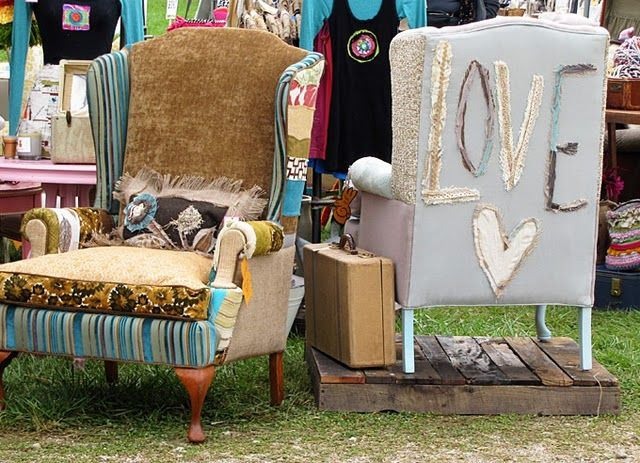 Ha! LOVE these unique chairs: Country Living Fair, Furniture Projects, Fabrics Chairs, Redo Chairs, Junk Ideas, Old Chairs, Scrap Fabrics, Beautiful Chairs, Crafty Ideas