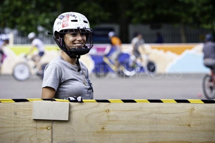 Hells Belles Ladies Bike-polo Tournament London (NICE SMILE)