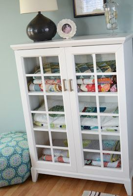 Instead of a quilt ladder??  Hyacinth Quilt Designs: Catching Up...